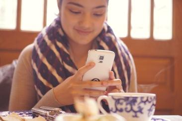 Also adoring the pretty coffee cup.☺️